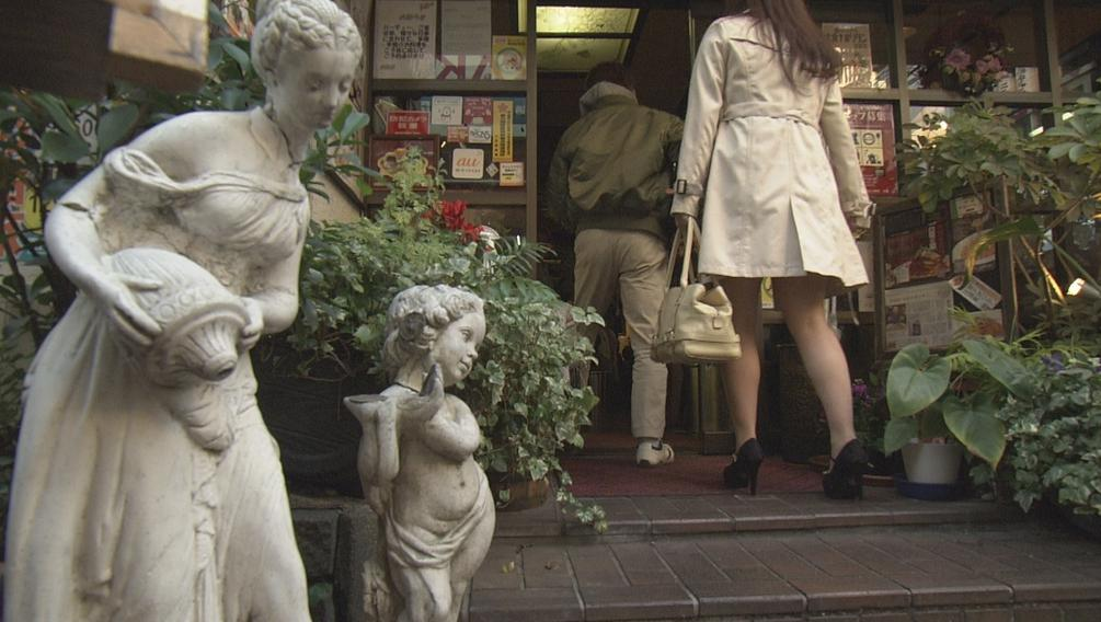 大宮のレトロ喫茶カフェ&デリ伯爵邸の場所やメニューと口コミまとめ:ドキュメント72時間