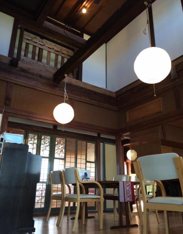 石窯カフェヤマト店内